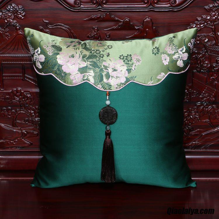 textile de maison couverture oreiller taille lit classique voiture chocolat soldes. Black Bedroom Furniture Sets. Home Design Ideas